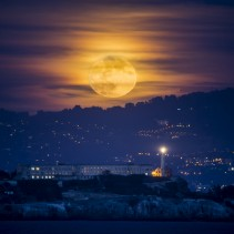 The November full moon in San Francisco