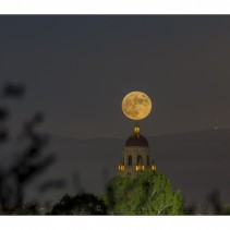November full moon – Hoover tower